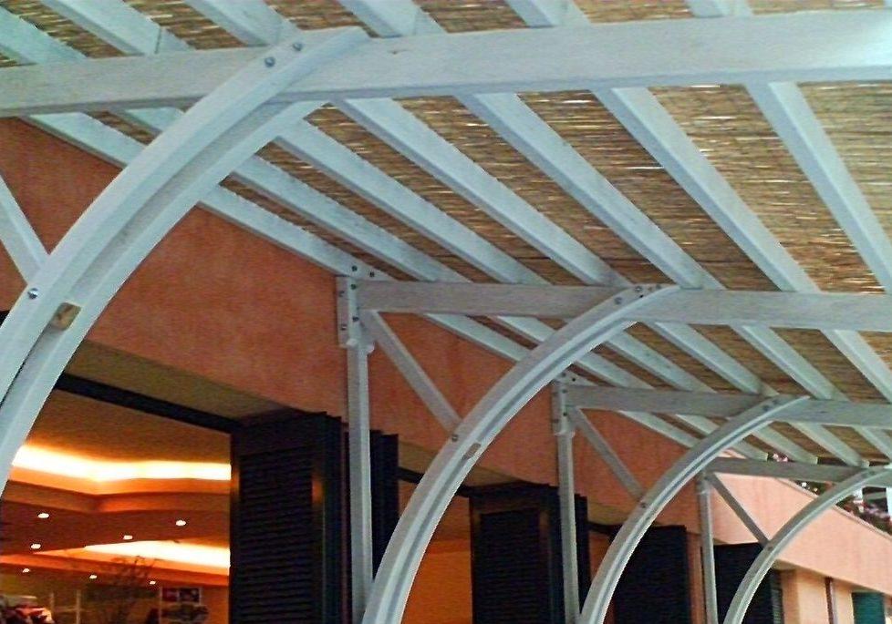 struttura legno e canniccio
