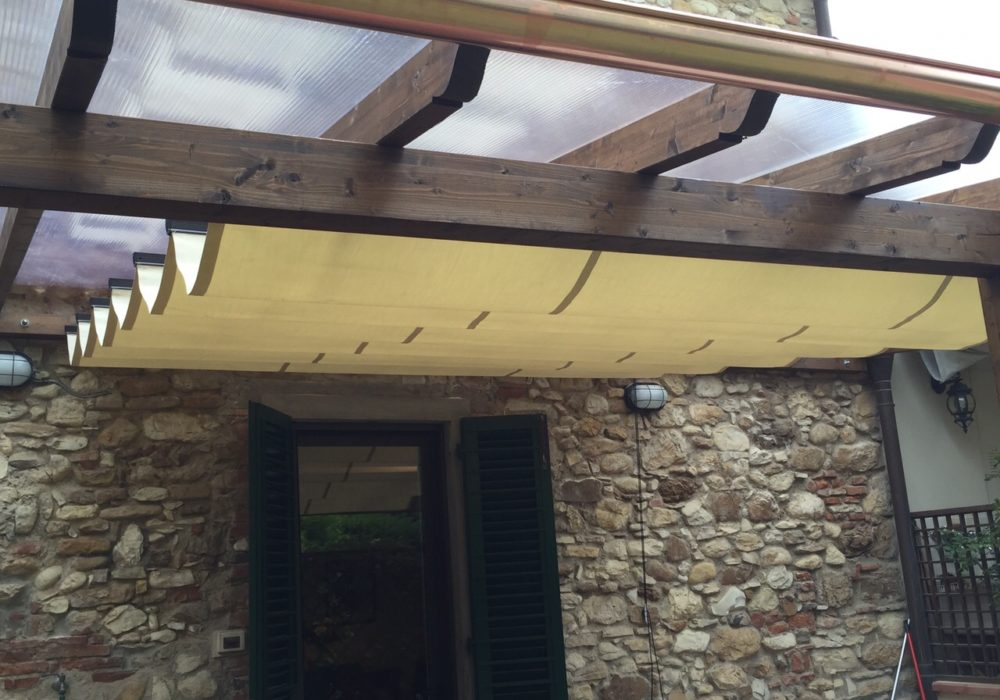 struttura legno e velario acrilico